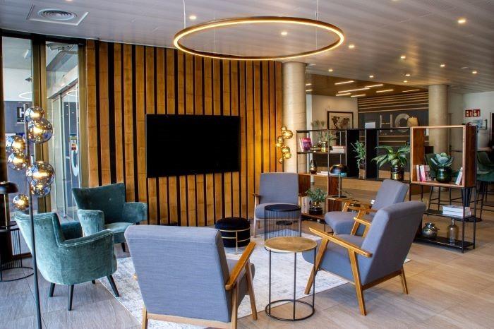 Sala de estar para reunirse en el Hotel HC en Mollet del Vallés