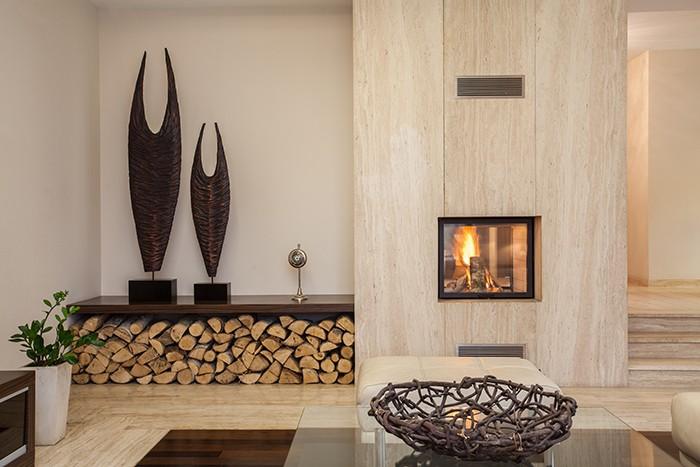 salón con diseño biofílico cálido