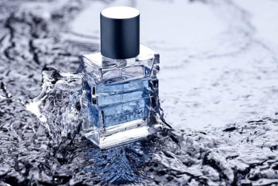 un diseño de packaging de un perfume