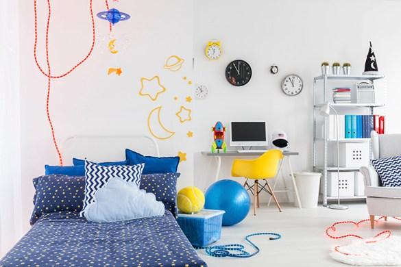 Habitación infantil con decoración sencilla