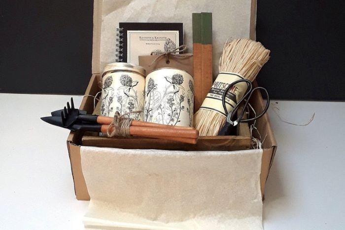 Set-de-regalo-Gardening-Essentials-Planter para el día de la madre