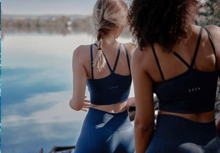 ropa-deportiva-para-yoga-como-regalo-en-el-dia-de-la-madre