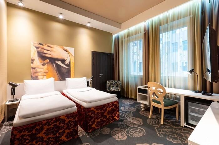 Decoración habitación Hotel Radisson Sonya