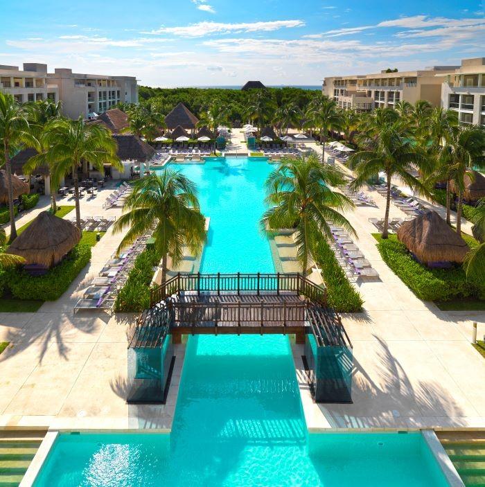 Gran piscina en Paradisus Playa del Carmen