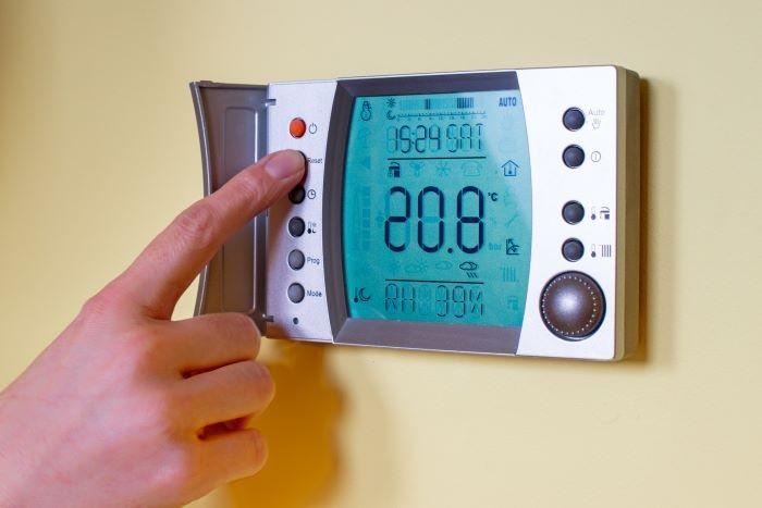 Termostato-para-regular-la-calefacción-de-tu-hogar