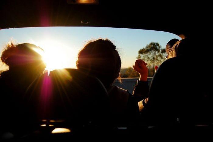 Protección solar en el interior de tu coche con lunas laminadas para este verano