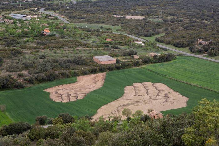 Nutrir la estima, una obra artística en una parcela rural de Aragón