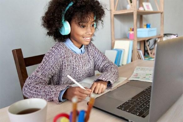 niña clases online