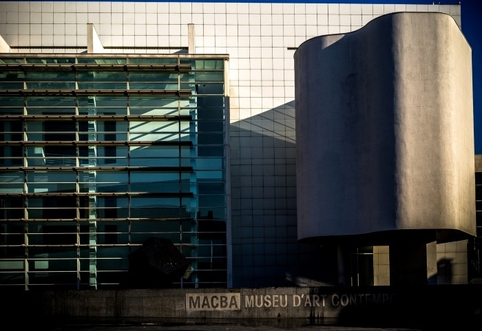 fachada museo macba