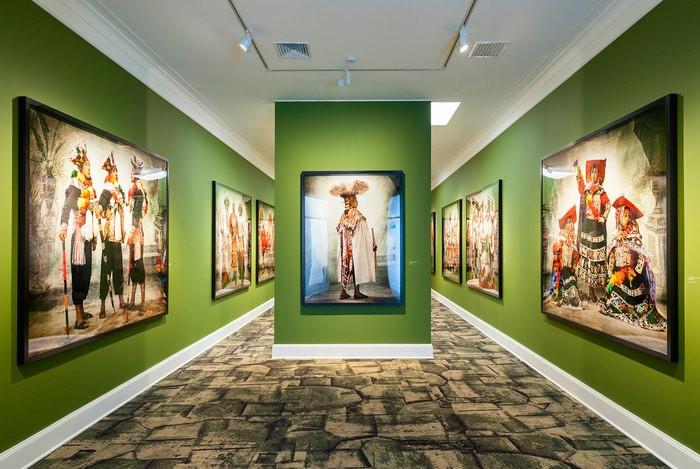 Sala Alta Costura exposición permanente Museo MATE de Lima
