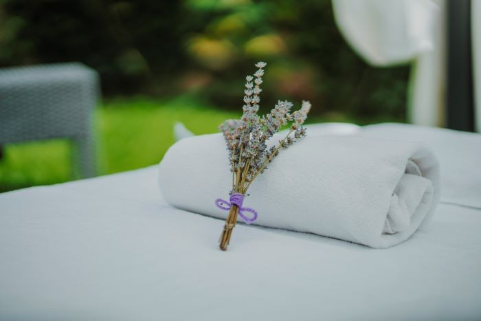 HOTEL-SPA-NIWA-cerca-de-los-campos-de-lavanda