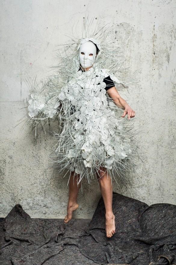 foto blanco gris personaje
