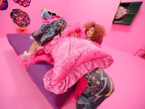 cojin modelo rosa composicion