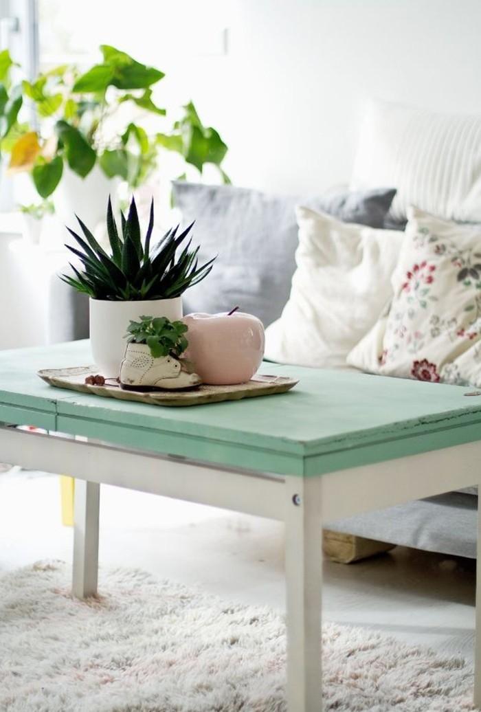 mesa pequeña pintura turquesa