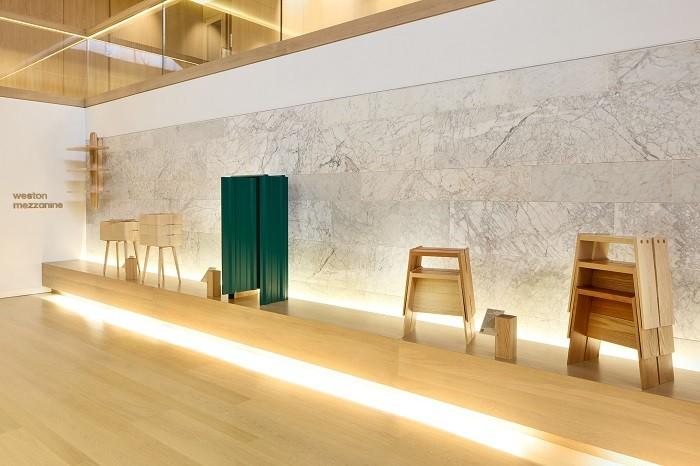 obras de arte en madera en el museo del diseño en Londres