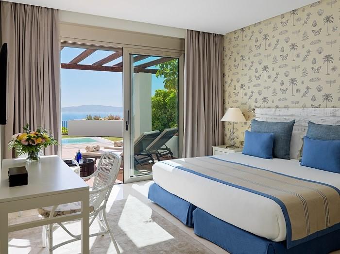 uno de los dormitorio de un apartamento de lujo en Tenerife