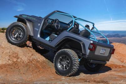 2018 Jeep 4SPEED Concept. (FCA US Photo)