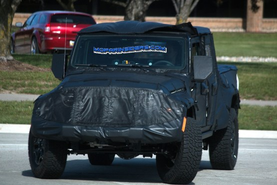 """2019 Jeep """"JT"""" Truck. (Real Fast Fotography)"""