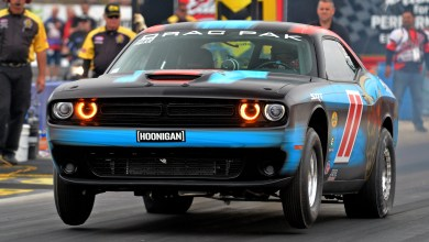 Photo of Mopar Dodge Challenger Drag Pak drivers dominate in Factory Stock Showdown!