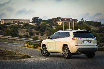 2019 Jeep Cherokee Overland Euro-Spec 4x4. (Jeep).