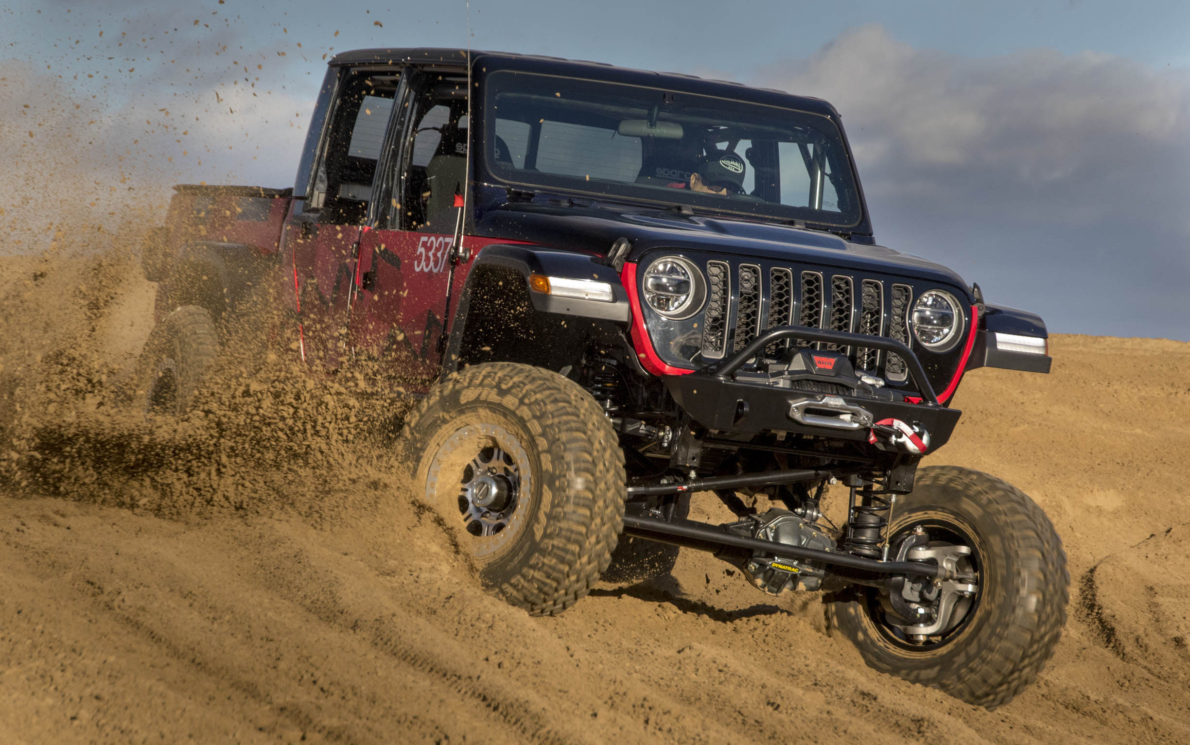 jeep® gladiator to compete king of the hammers desert off