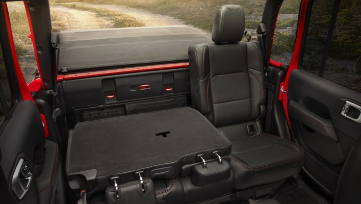 2020 Jeep® Gladiator Awarded 10-Best Interiors By WardsAuto: