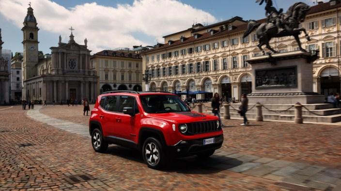 2019 Jeep® Renegade Trailhawk PHEV eAWD. (Jeep).
