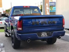 Mexico-Only 2019 Ram R/T Regular Cab 4x4 in Blue Streak. (Esteban Chrysler).
