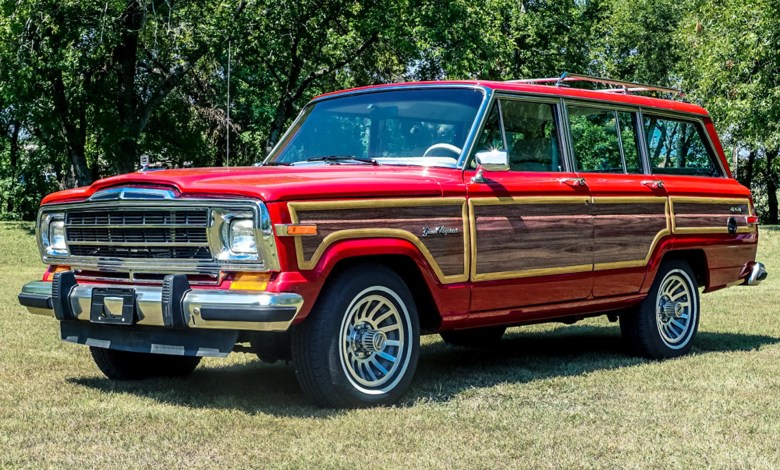 """Photo of CHECK THIS OUT: A HELLCAT-Powered Jeep Grand Wagoneer """"HellWagon"""":"""
