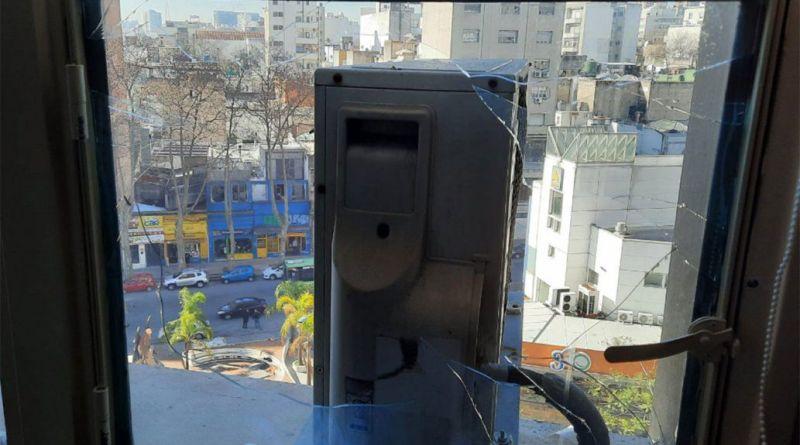 Lanzaron una bomba de estruendo en el edificio Ancap próximo a la oficina del ministro Paganini