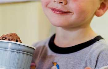 Little Boy Ice Cream Tip Story - Heart Touching