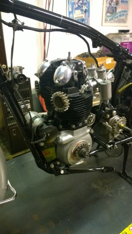 Motore, lato sinistro - Engine, left side