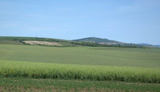 Babí Lom (417 m) je nejvyšším bodem Věteřovské vrchoviny a tím i Kyjovské pahorkatiny.