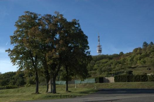 Babí lom (417 m) je nejvyšším vrcholem Věteřovské vrchoviny.