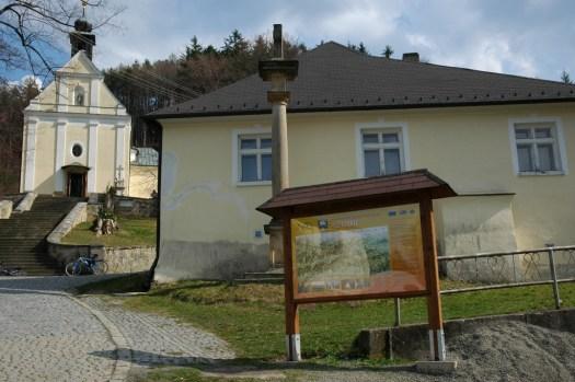 Maleniska nad Provodovem — poutní místo se silným mariánským kultem a úžasnou hospůdkou.