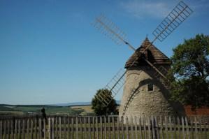 Větrný mlýn nad Kuželovem.