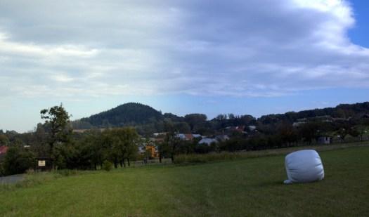 Vrchol Chlumu jih.–záp. od Bystřice p. Hostýnem (418 m) tvoří nápadnou vyvýšeninu nad okolním reliéfem Jankovické brázdy.