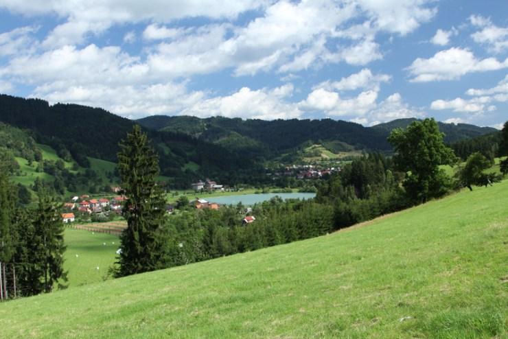 Hornobečevská vrchovina v okolí Karolinky.