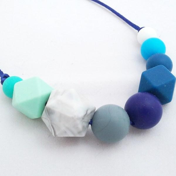Collar de lactancia Hera de Mordisquitos. Nursing necklace