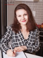 Yulia Khayat, Registered Dietitian and Certified Intuitive Eating Counselor