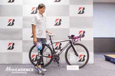 「感動するグリップ感」パラトライアスロン秦由加子選手をブリヂストンが支援、2020年東京オリンピックのメダル獲得を共に目指す