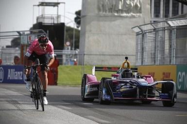 モスコンがフィジケラとローマの街を疾走!電動ロードバイクでの本格レースが、ジロ・デ・イタリア2018で開催!その名も「Giro E」