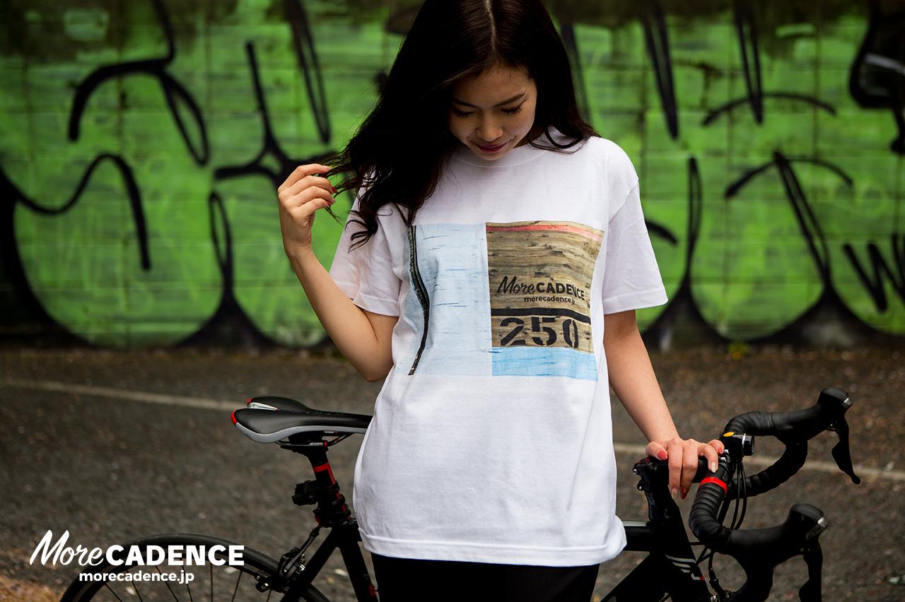 MoreCADENCEオリジナルTシャツ