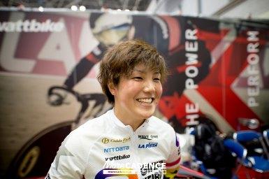 ガールズケイリン小林莉子選手がWattbike(ワットバイク)ブースに登場/『スポルテック2018』東京ビッグサイト