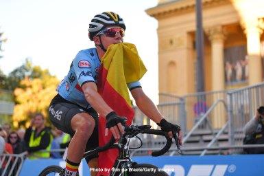 落車から超人的な追い上げ、イヴェネプールが個人TTに続きロードも制覇/ロード世界選手権2018・男子ジュニア