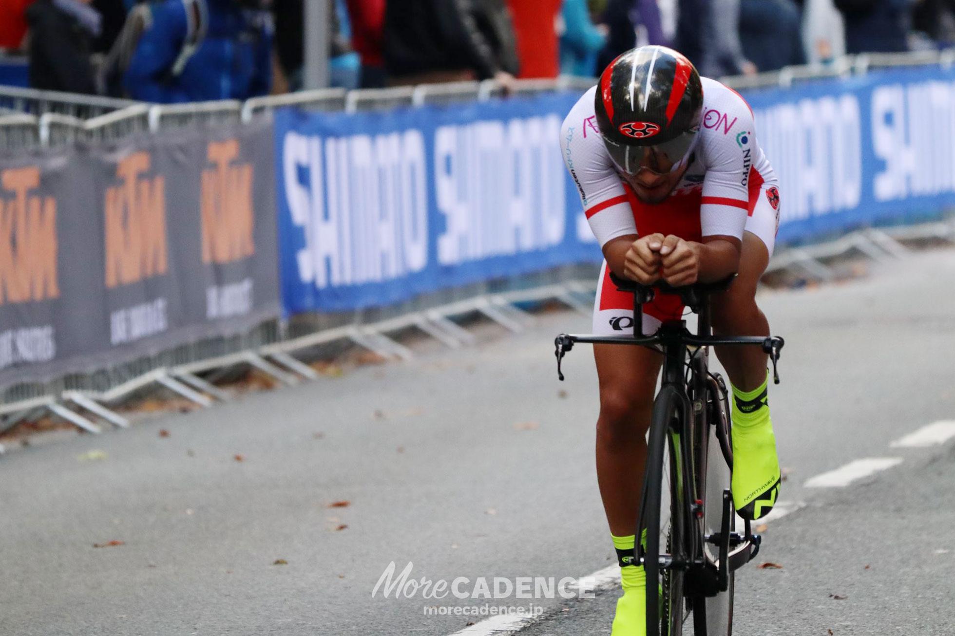 2018ロード世界選手権男子U23個人TTを走る山本大喜