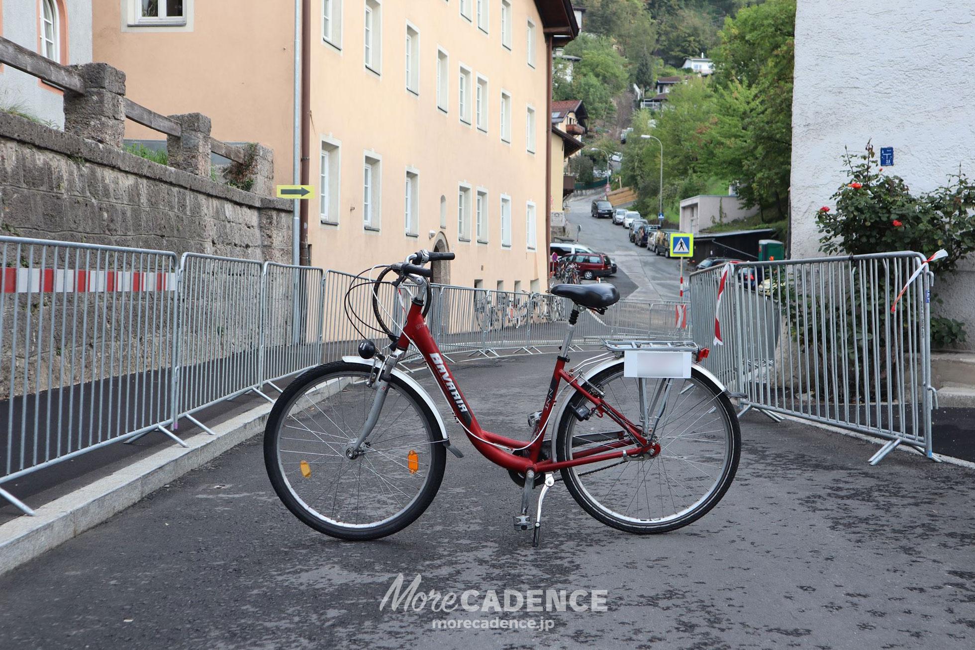 2018世界選手権ロードでコースの狭いところに置いた自転車