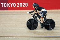 IZU, JAPAN - AUGUST 25: Denise Schindler of Team Germany competes in the Bronze medal race of Track Cycling Women's C1-3 3000m Individual Pursuit on day 1 of the Tokyo 2020 Paralympic Games at Izu Velodrome on August 25, 2021 in Izu, Japan. (Photo by Kiyoshi Ota/Getty Images)