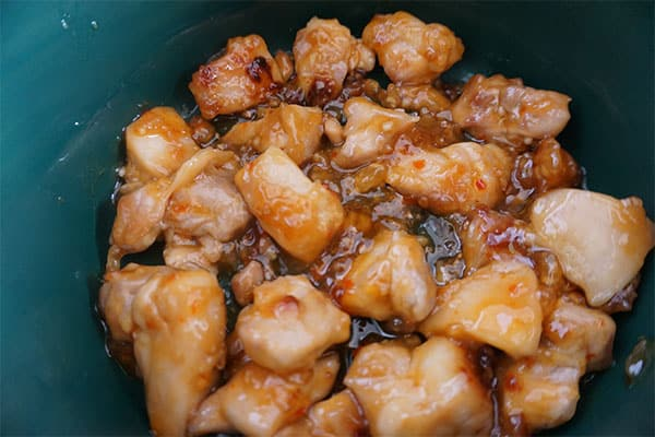 orange chicken in a slow cooker