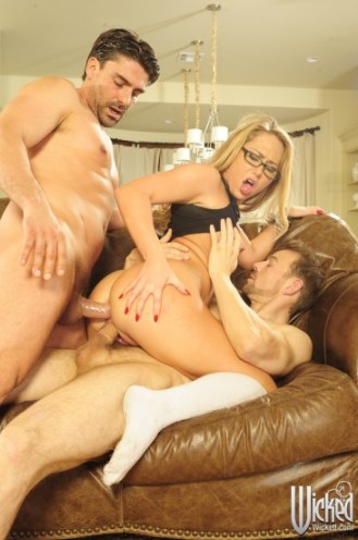 carter-cruise-on-the-air-scene-04